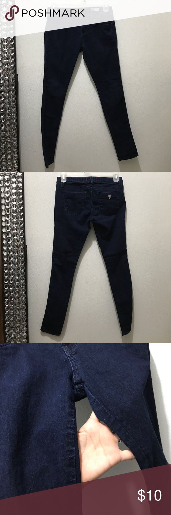 """Guess jeggings Runs small imo. I'm usually a 28 and it was tight on my waist, and a war to get over my thighs. No wear between legs or bottom leg openings. 30"""" inseam Guess Jeans Skinny"""