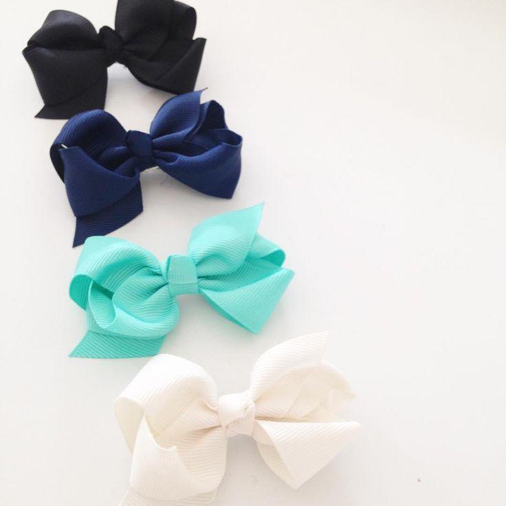 Keep calm and wear hair bows :-) #kidsfashion #aw15 #momlife #littlepetit #baby #hairbows #kidstuff
