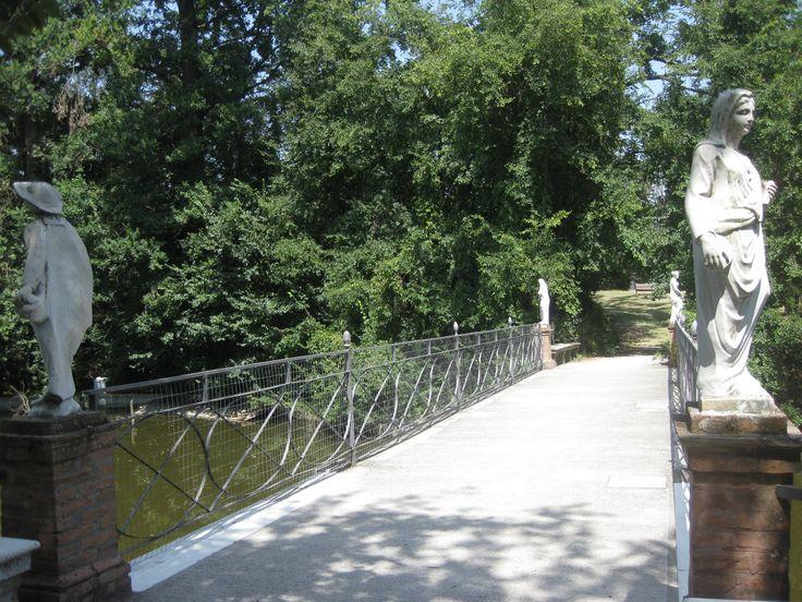 Il parco di Villa Smeraldi, Museo della civiltà contadina San Marino di Bentivoglio (BO) - Il ponte.