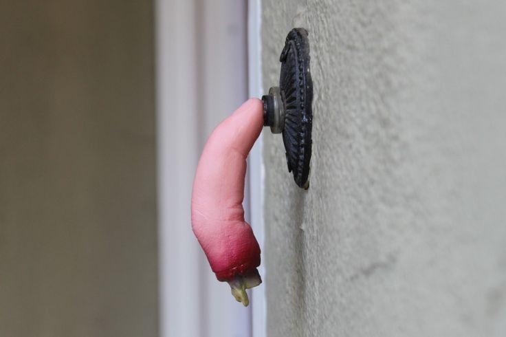 Doorbell finger Halloween Decoration Idea