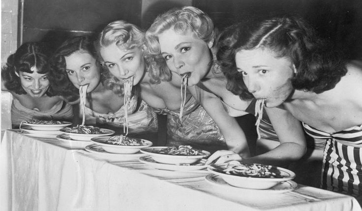 6 Things Italian Women can teach about appreciating food... Definitely agreeing with several points of this article: invest in what you eat, eat locally and seasonally and eat with friends!  Do you agree?
