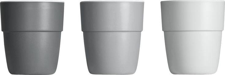 Mit dem stilvollen Yummy MiniKinder-Trinkbecher Set in Grau von Done by Deer macht das Trinken gleich noch mehr Spaß, denn vom Boden des Bechers grüßt immer einer der lieben Done by Deer Freunde, sobald Dein Schatz ausgetrunken hat. Mehr Infos findest Du unter www.kleinefabriek.com