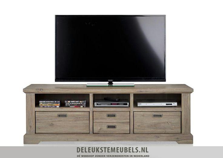 Tv-dressoir 150cm van het merk Happy@Home. Dit tv-dressoir heeft drie niches en drie keerbare laden. Het midden is ook één lade, ze hebben ervoor gekozen om een speels frontje te gebruiken waardoor het net lijkt alsof het twee laden zijn. Je kan de laden omkeren naar een mat witte kleur, op die manier krijgt dit tv-dressoir een moderne touch. Snel leverbaar! http://www.deleukstemeubels.nl/nl/bandon-tv-dressoir-150cm/g6/p1154/