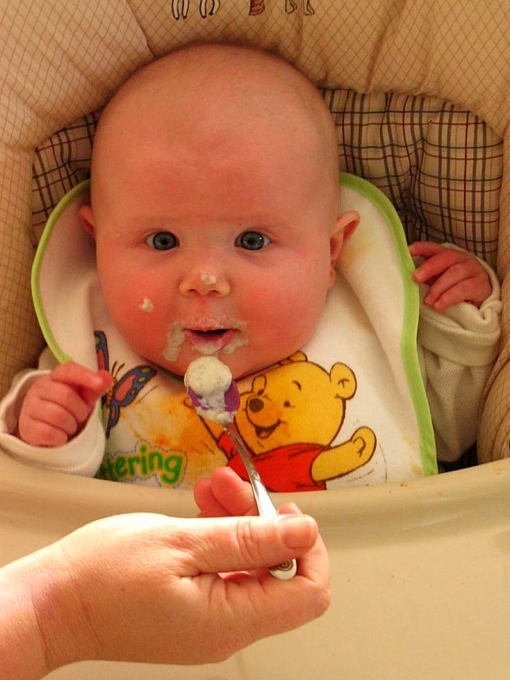 Starting your baby on solid foods is the beginning of lifelong eating habits that contribute to your baby's overall health. Here are general guidelines that can help you start your baby out on the right track to a healthy life. Starting baby solid...
