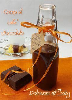 Volete rendere i vostri dessert ancora piú golosi, ecco per voi una ricetta facile facile da preparare in pochi minuti: la crema al caffé e cioccolato. È u