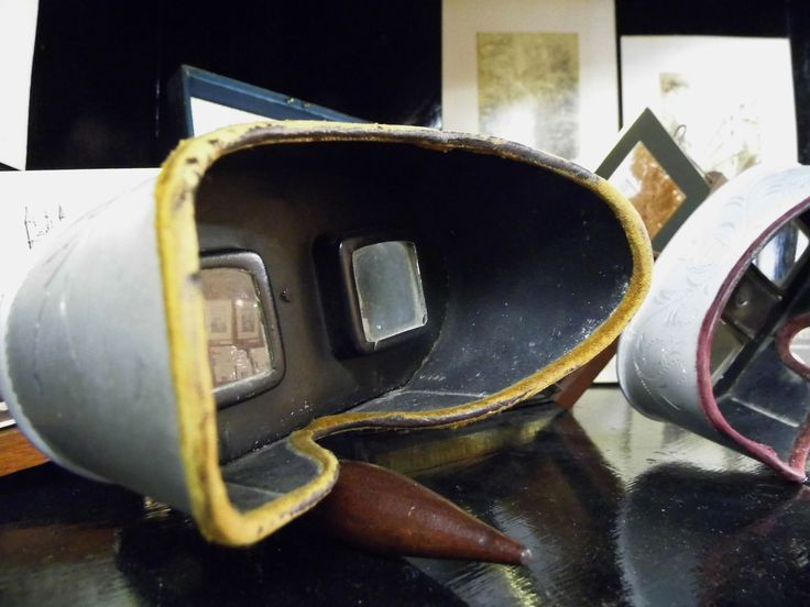 We've got a couple of stereoscopes to check out in our collection of antique objects.