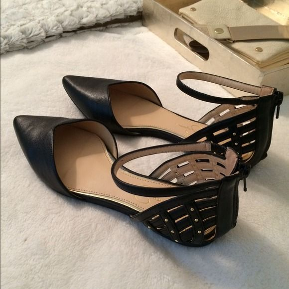 Jessica Simpson Shoes - JESSICA SIMPSON pointy black flats!