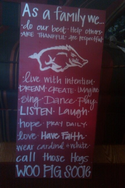 Oh, I am making one of these!!!  Wooo Pig Sooie...A little spay paint and a little paint pen!: House Divided, House Dividers