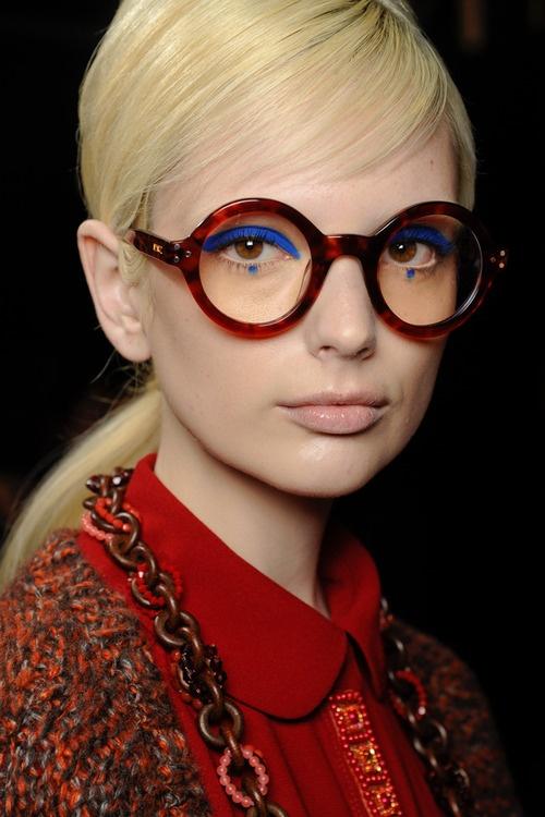 bebfa700099171622aa4f73f72ec3da5 blue eyeshadow blue eyeliner