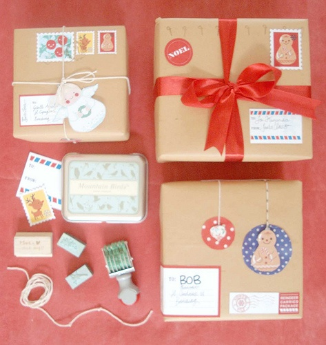 Who doesn't like getting mail, especially when a present is tucked inside?: Gift Wrapping, Gift Ideas, Diy Gift, Simple, Gift Wrap Packaging, Inspiration For