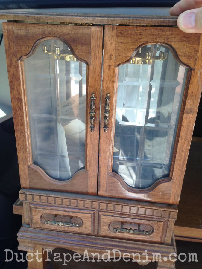 Dry brushing cece caldwell paint on jewelry cabinet for Cece caldwell kitchen cabinets