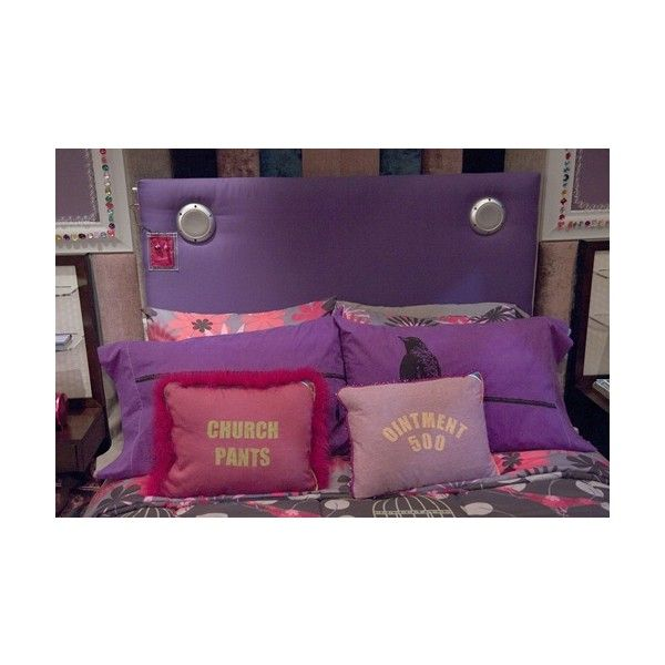 icarly bedroom. iCarly celebrates her Birthday with an Bedroom Makeover 13 best iWant a Like Carly images on Pinterest  Dream