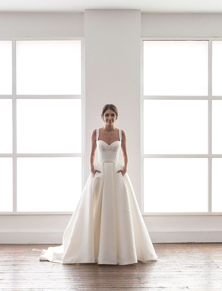 Karen Willis Holmes wedding dress with pockets