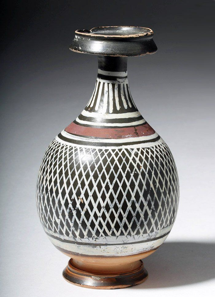 Greek Gnathian Net Pattern Bottle, Magna Graecia, Southern Italy, Eastern Apulia/Gnathia, ca. 340 to 325 BCE