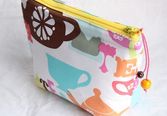 tea and cups  zipper bag by onnaBandA on Etsy, €19.00