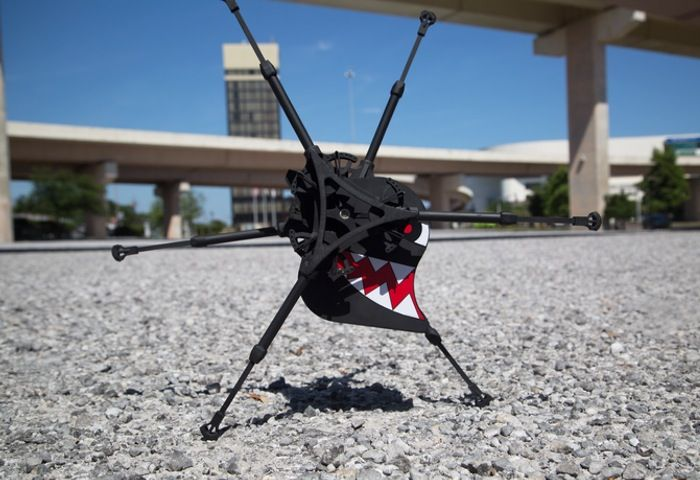 OutRunner, The World's First Remote Control Running Robot - The OutRunner has been designed by Robotics Unlimited and is capable of running up to 20 miles an hour across various terrains for up to 2 hours on a single charge.  The OutRunner is available in two versions the Core and Performance.   Geeky Gadgets