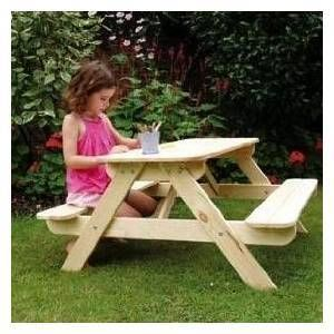 Let's have a teddy bears picnic!Gardens Ideas, Wooden Benches, Gardens Furniture, Benches Sets, Teddy Bears Picnic, Bears Picnics, Wooden Picnics, Picnics Tables Benches, Children Gardens