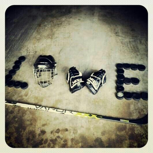 LOVE HOCKEY