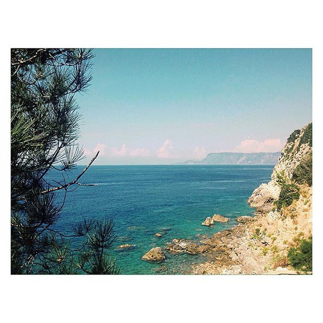 -06.11.2016 Most proper way to deal with autumn.  #november #2k16 #autumn #fall #remember #saudade #sea #mediterranean #blue #rocks #sky #summer #instagram #picoftheday #instadaily #calabria #italia #italy #ig_italy