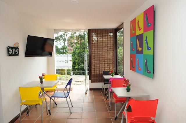 Breakfast  Room - Kolor Hotel Boutique - Medellin, Colombia