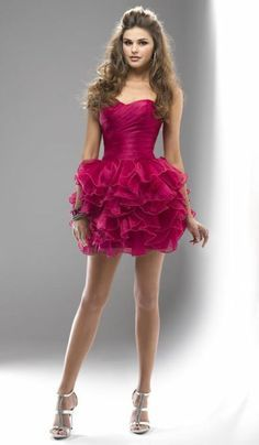 I ♥ everything about this dress.