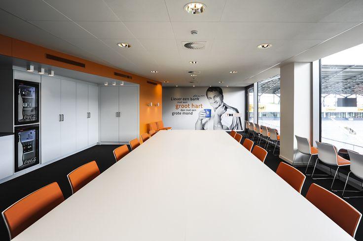 Vdk spaarbank skybox ghelamco arena kaa gent buroproject for Interieur bauwens