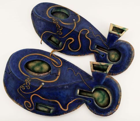 """Dis Pair  Elizabeth Murray  Oil in canvas and wood 10' x 10' x 13 """""""