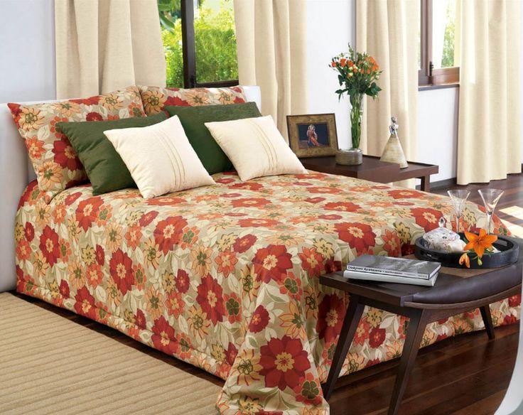 Suave dormir sobre una cama acolchada, en base Marble, cubrecamas Salem, cojines y cortinas en las tonalidades perfectas para generar un ambiente ideal.