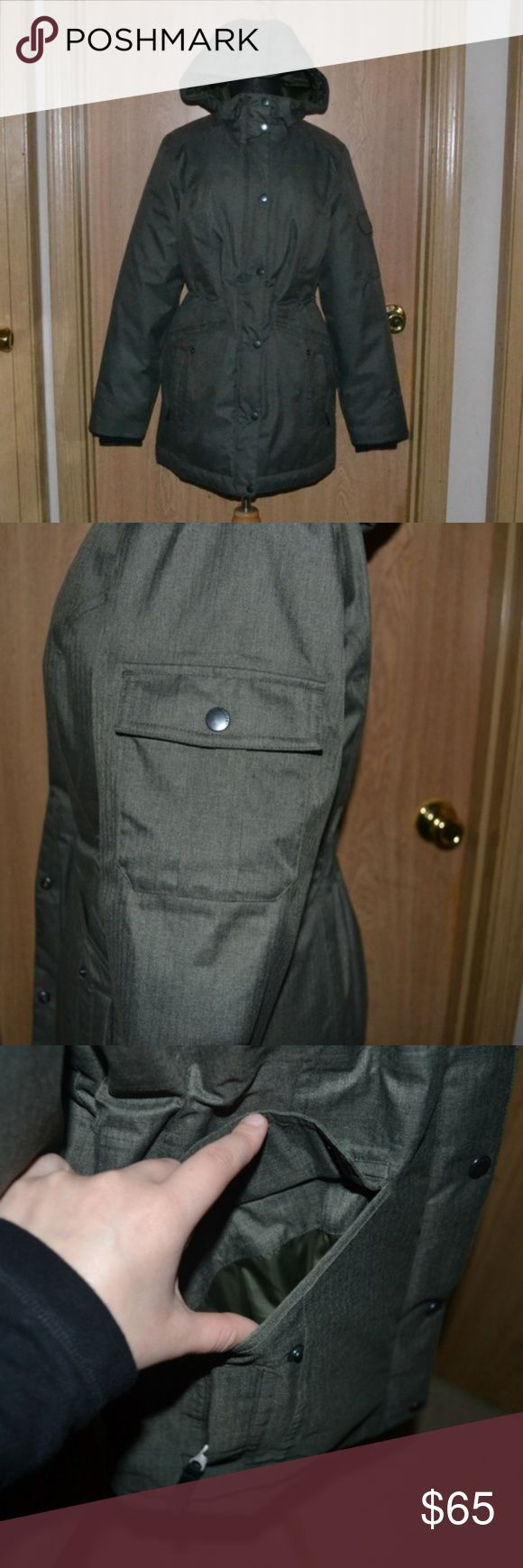 NWOT Eddie Bauer olive green winter jacket I ship Monday - Friday! sometimes Saturday <3 No holds or trades! Offers are welcomed please submit them through the offer button~ thank you   A gorgeous Dark olive green jacket with multiple compartments/pockets ( about 6- 1 is hidden inside) In like new condition. Never been used. thick, puffy, comfy & perfect for winter! jacket is a bit heavy! Size small 100% polyester. Measurements are approximate: Length 31 1/2 in shoulder 15 1/2 in armpit to…