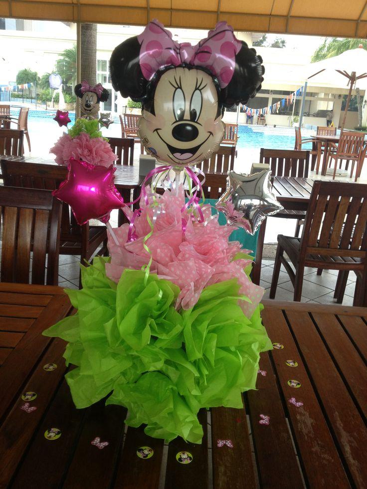 centros de mesa de minnie mouse rosado con verde con papel china y