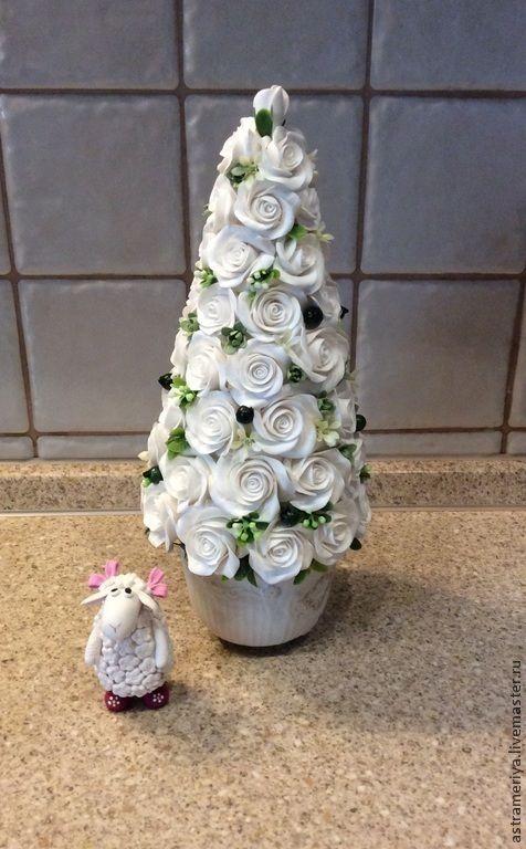 Купить Елка новогодняя из белых роз полимерная глина - белый, зеленый, зеленый цвет