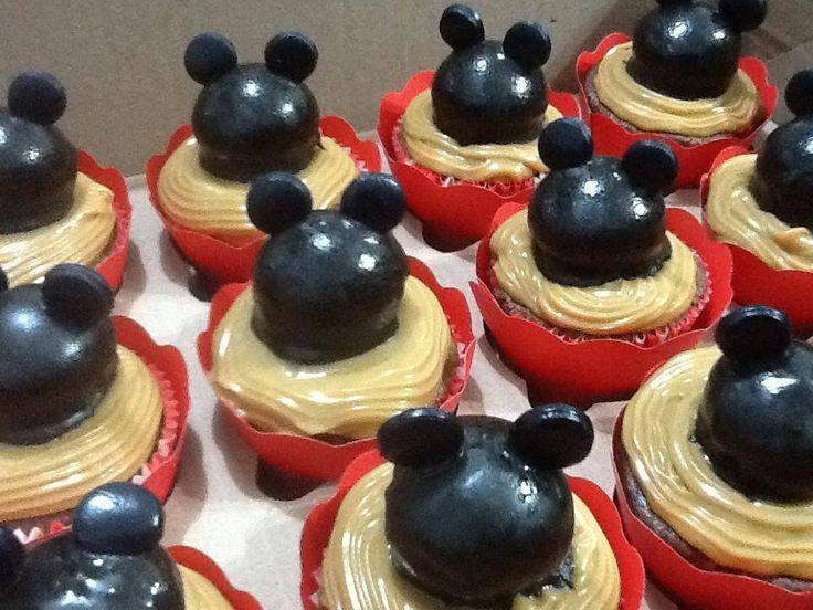 Cupcakes do Mickey com Bombom e doce de leite