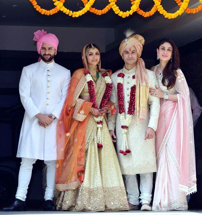 Soha Ali Khan ties the knot with Kunal Khemu. Posing with Saif Ali Khan and Kareena Kapoor. #Bollywood #Fashion #Style #Beauty