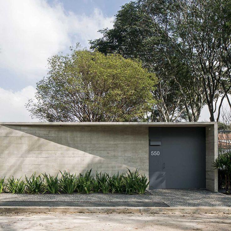 Guest house and exhibition pavilion http://www.morfae.com/guest-house-and-exhibition-pavilion/  #architecture #guesthouse #pavilion #concrete #modern