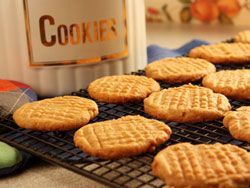 Soft Peanut Butter Cookies - no flour needed