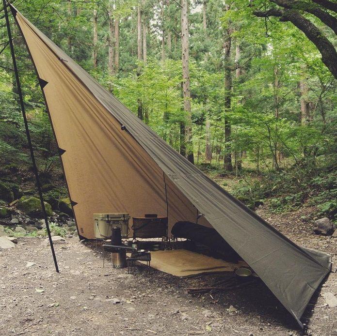 あのヒロシも愛用 まるでテントにもなる アレンジ無限の Ddタープ が無骨でかっこいい Camp Hack キャンプハック 2021 Ddタープ キャンプ サバイバルキャンプ