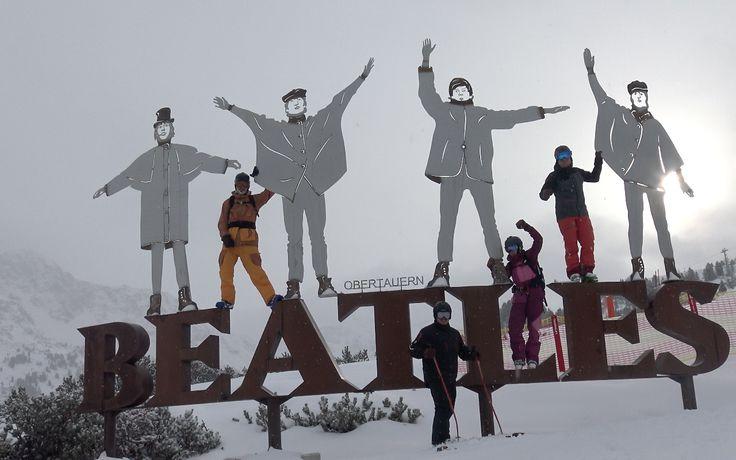 Das X-Challenge-Team auf den Spuren der berühmten Pilzköpfe  #obertauern #thebeatles #musicisthebest #spaßmitfreunden