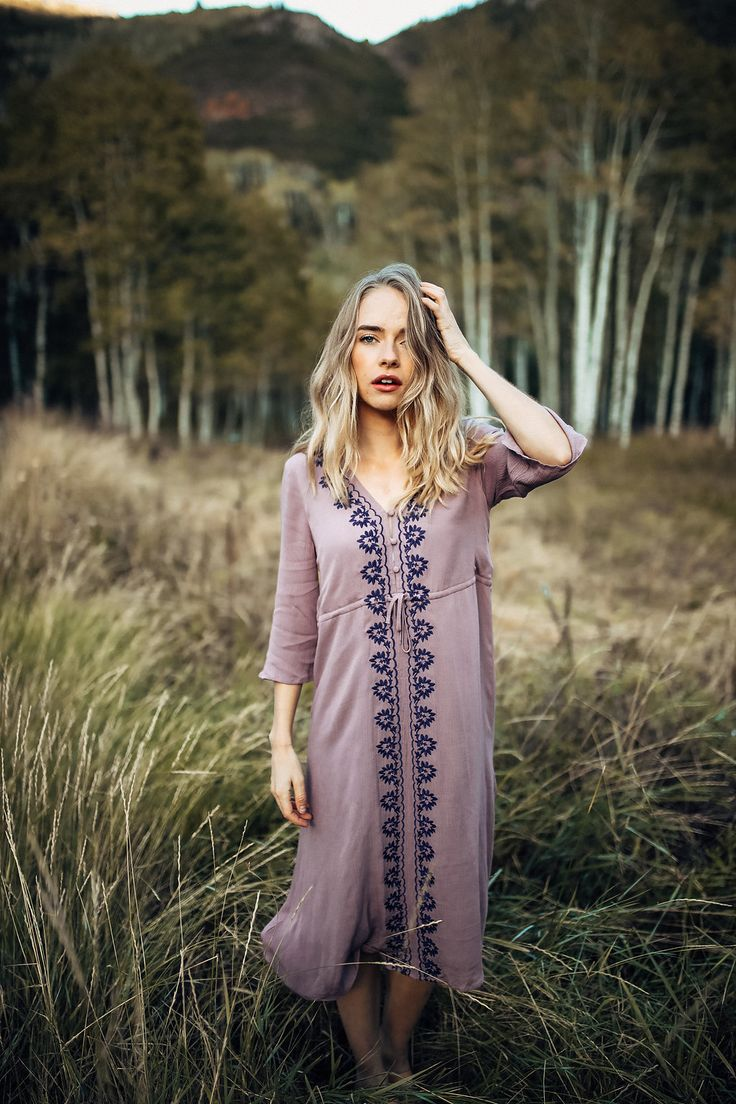 PIPER & SCOOT: THE COCINERA EMBROIDERED DRESS IN VIOLET// DRESSES// WOMENS CLOTHING// HOLIDAY PARTY OUTFIT