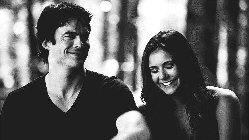 <3 Damon y Elena