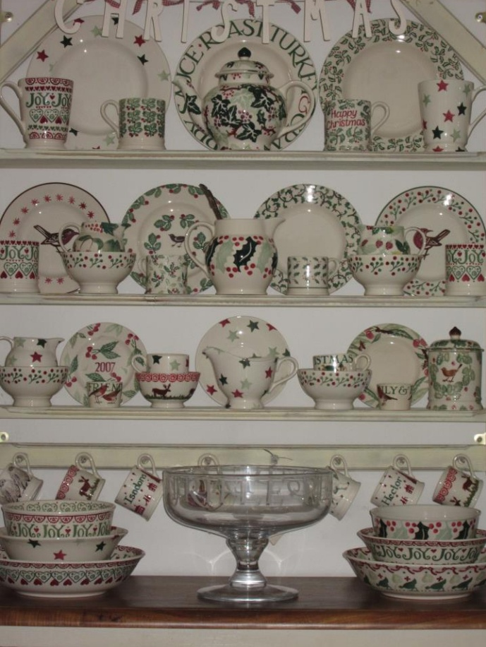 Emma Bridgewater lovely mix of greens with Holly, Christmas Stars, Robin and Berry, Cherry and many more lovelies!