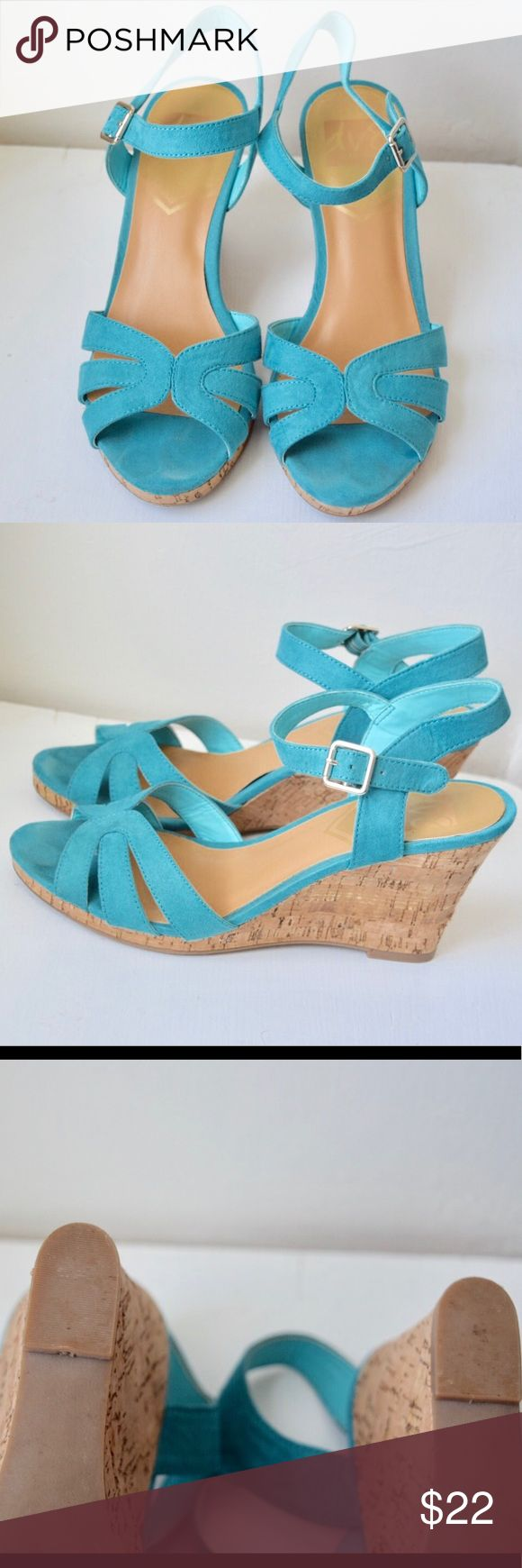 ♡ Cute Teal wedges! ♡ by Dolce Vita size 8️⃣ These Dolce Vita teal wedges are suede size 8. They're comfy and fun to wear as a pop of color with a navy dress! Dolce Vita Shoes Sandals
