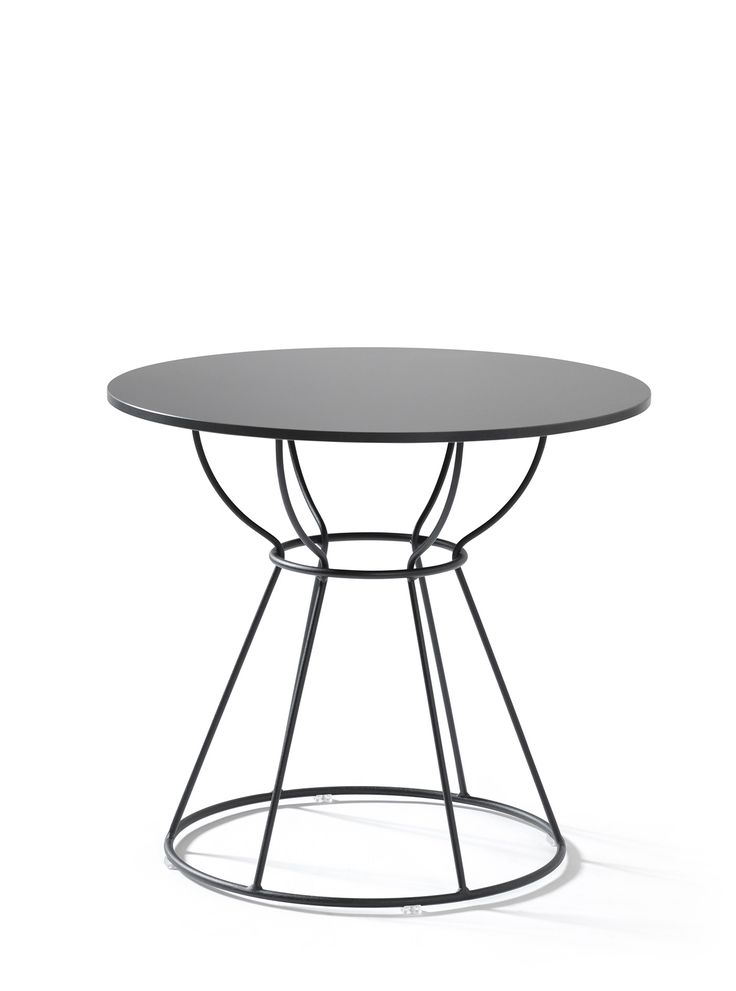 DECO –DESIGN JULIA PRYTZ, 2017  A CONTRIBUTION TO A MORE DECORATIVE ENVIRONMENT  As a result of Lammhults X-works project, Deco is a  exible table series with a focus on activity and quick meetings. Suitable for various types of environments, from the of ce to the bar, the cafe and even the home. Both indoor and outdoor.