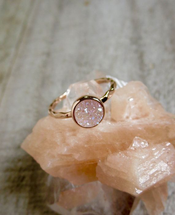 Kleine Rose Gold Druzy Ring natürliche weiß AB von julianneblumlo