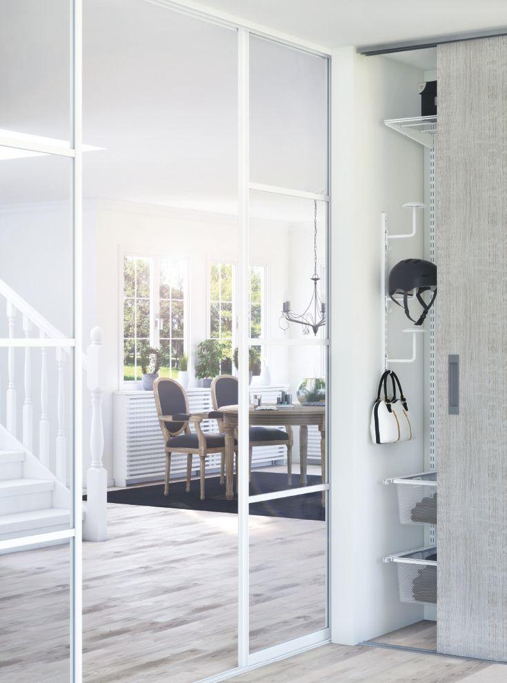 Ett drömhem med Lundbergs produkter. Vi har interiörprodukter från golv till tak allt från: skjutdörrar och måttbeställd inredning. Till förvaring för stora och små ytor. Få ordning på dina hjälmar och väskor. Skjutdörrar och rumsavdelare i glas. Elementskydd för fönstermiljön. Trappsteg och räcken med handledare och ledstänger. Bänkskivor och arbetsbänkar. Taklister som är målningsbara och golvlister för alla situationer. Dröm dig bort i hemmets möjligheter.