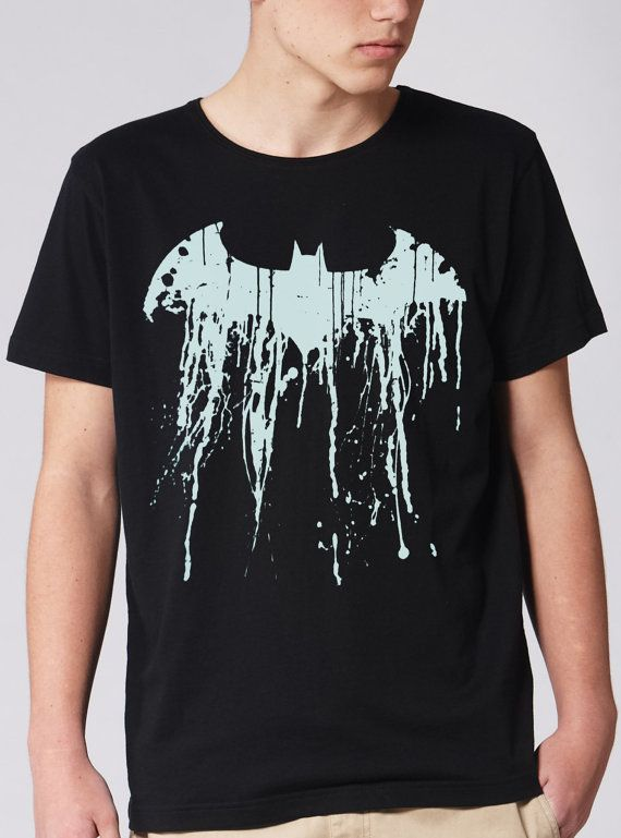 Batman Graffiti Logo size for men Tshirt size from S5XL by verstay