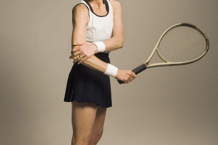 Ejercicio del antebrazo para prevenir el codo de tenista. El codo de tenista o epicondilitis lateral, es un padecimiento doloroso que dificulta las tareas más simples, como recoger un galón de leche o dar la mano. A pesar de que se llama codo de tenista, no es necesario jugar al tenis para sufrir ...