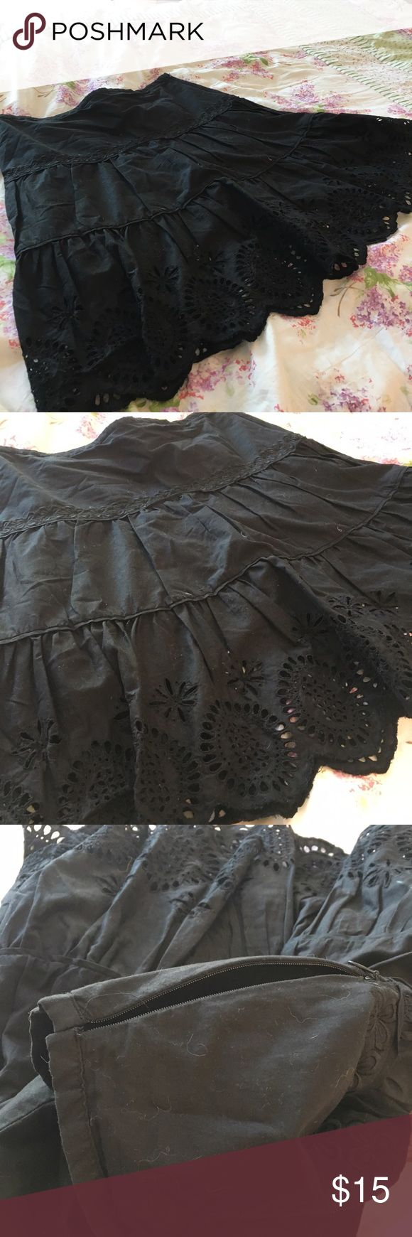 Black Skater Skirt!! ⛸ Really cute skater skirt from the brand: The Limited, size: 12. In excellent used condition with no flaws at all! It has only been worn maybe twice :) The Limited Skirts Circle & Skater