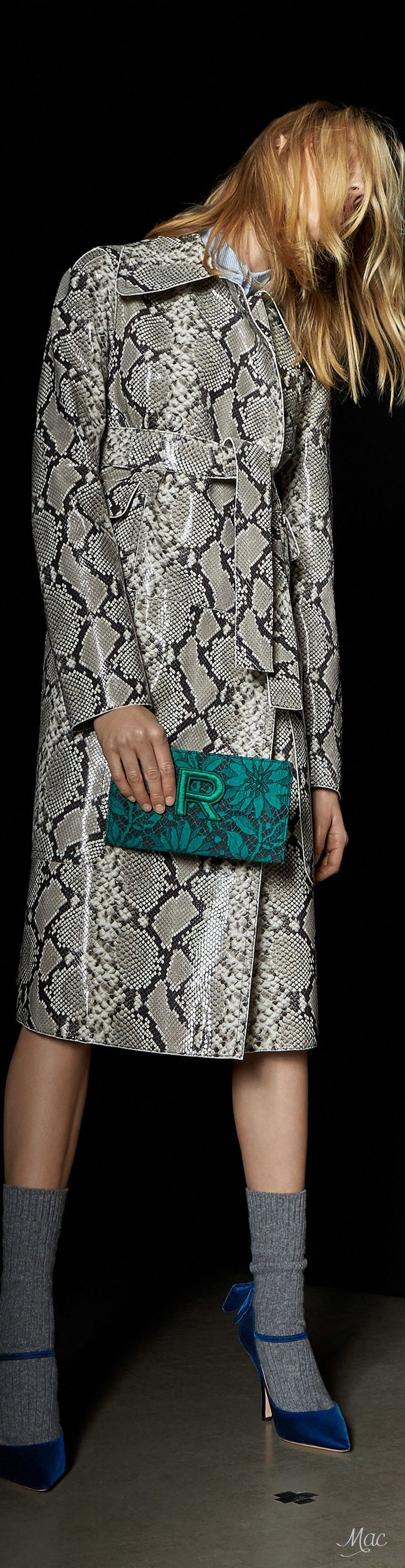 Avalisa letter upper case t stretched wall art - Pre Fall 2017 Rochas