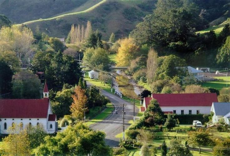 Puhoi NZ - could you live anywhere more quant?