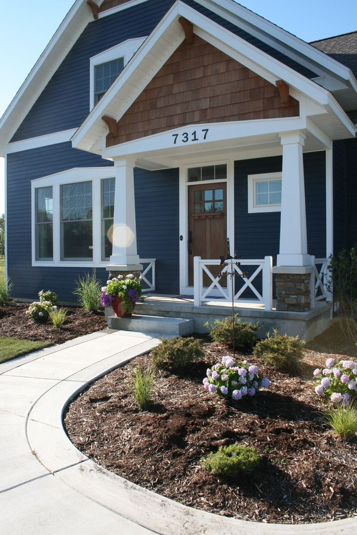 Best 25 navy house exterior ideas on pinterest blue for Exterior board